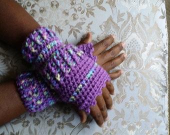 SALE***Crochet wrists warmer (purple & purple tone color)
