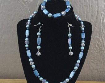 77: Necklace, Bracelet, Earrings Set