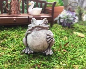 Miniature Frog Toad Garden Statue, Mini Frog Figurine, Dollhouse Miniature, 1:12 Scale, Fairy Garden and Miniature Garden Decor, Mini Statue