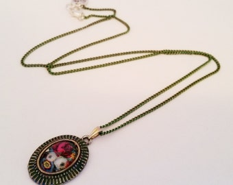 Romantic flower delicate cabochon charm pendant necklace Israel Hand made