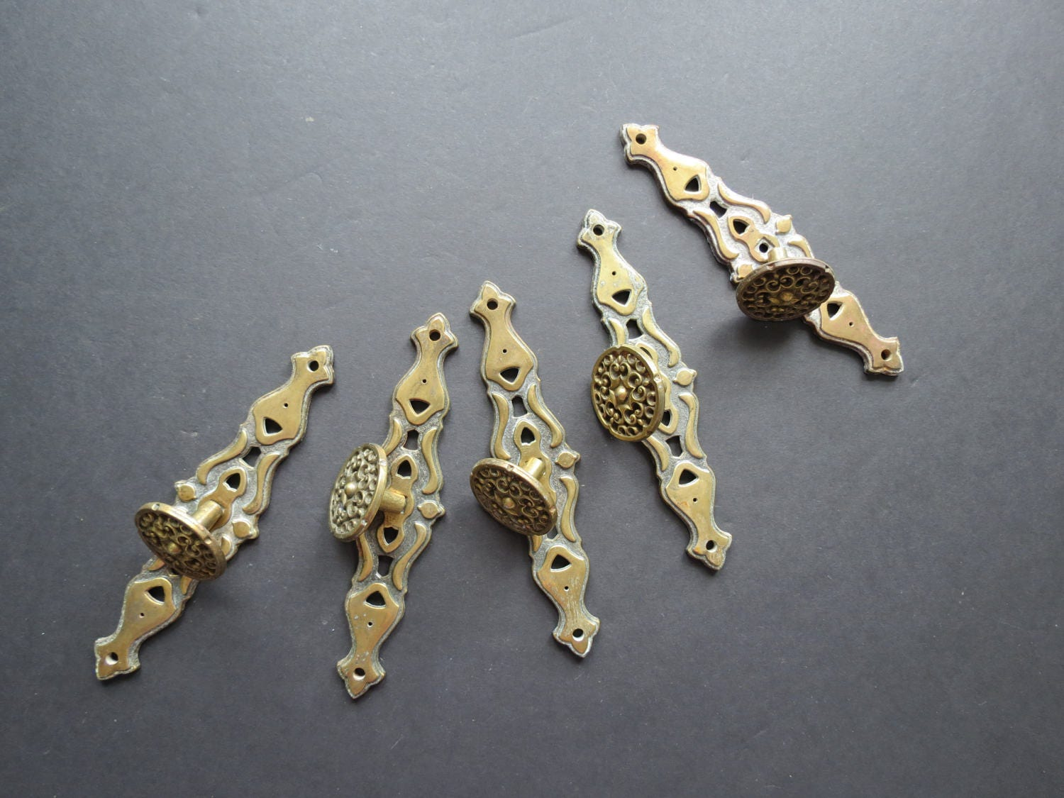 Decorative Kitchen Hardware 5 Vintage Drawer Pulls With Backplates Decorative Ornate Brass