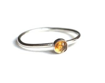 Dainty Silver Ring with Citrine. 4mm Rosecut Labradorite. Polaris Ring