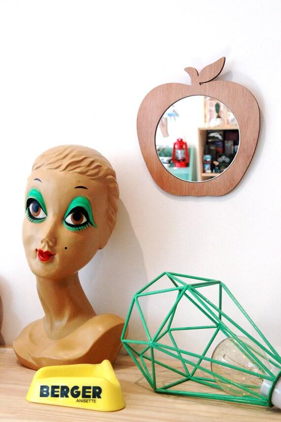 Miroir pomme en bois d coup la machine laser - Miroir a la decoupe ...