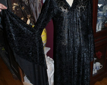 Beautiful Lace Gothic Medieval Coat / Cover Up