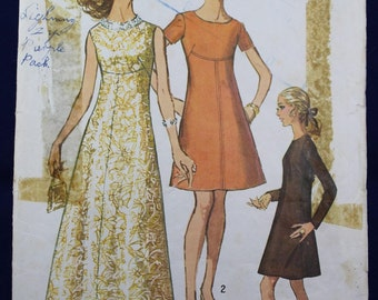 1960's Sewing Pattern for a Dress in Size 14 - Simplicity 8498