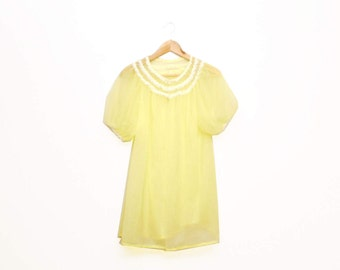 Vintage 1970s Sheer Pastel Yellow Daisy Lace Babydoll Negligee Size M