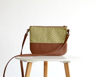 Green Waves Crossbody Leather bag, Clutch Purse, Every day bag, Vegan, Brown leather