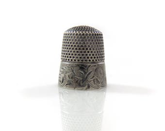 Sterling Stern Brothers Patterned Leaf Thimble