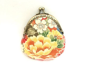 Fabric coin purse with snap closure, vintage style
