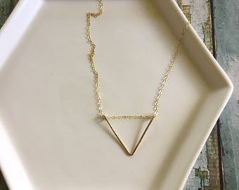 Triangle necklace, Gold Triangle Necklace, Dainty Necklace, Delicate Necklace, Gold Filled Necklace, Everyday Necklace, Simple Necklace