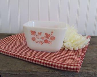 Vintage Pyrex Pink Gooseberry Refrigerator Dish 1 1/2 Cup
