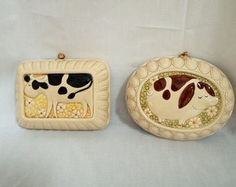 Vintage Japan Ceramic Country Cow And Pig With Daisies Wall Plaques- Mold Wall Hangings-Himark Gourmet Kitchen