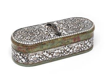 Large jewelry box/Jewelry storage/Treasure box/Memory box/Gift box/ Repujado/ Metal embossing/Repousse/Keepsake box/