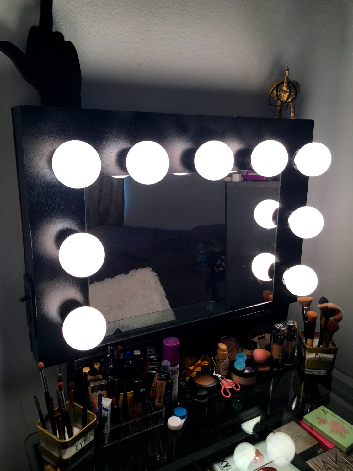 Vanity Set With Lights On Mirror : Hollywood Vanity Mirror with lights makeup mirror black