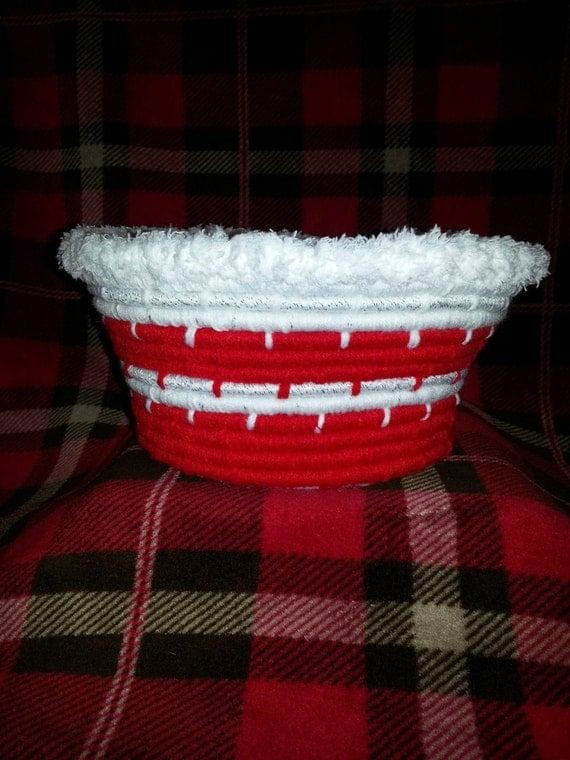 Large Christmas Handwoven Coil Basket/Bowl w/ fuzzy rim