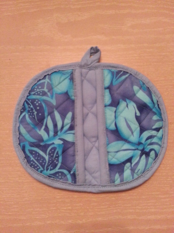 "Handmade "" Purplish-Blue Hawaiian Flower Print "" Potholder/Trivet"