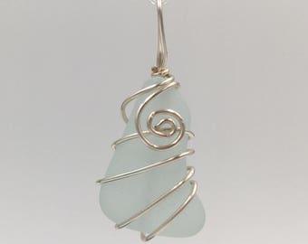 Pale aqua beachglass (pendant only)