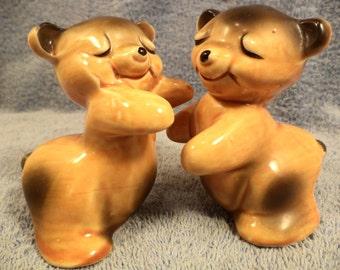 Van Tellingen Bear Hug Hugger Salt And Pepper Shaker