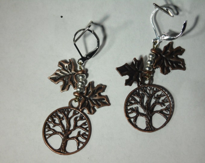 Joshua Tree Bronze Earrings with Maple Leafes