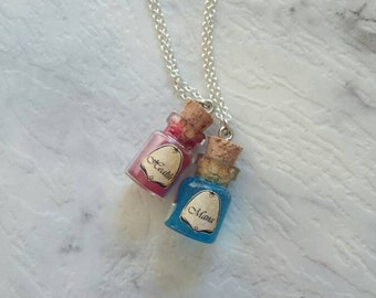 Health and Mana gaming friendship necklace. Silver chain friendship necklace gamer set. Geek loot gift idea. Miniature bottle potion charm