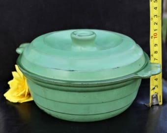 Classic 1930's Agee Pyrex Casserole Dish with Lid - Made in Australia