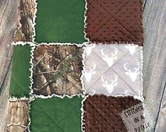 Baby Boy Quilt,Realtree Camo Quilt, Buck Rag Quilt, Deer Quilt, Crib Quilt, camo quilt, camo crib bedding, hunting theme, buck crib bedding