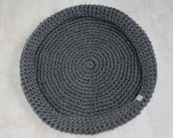Cozy Crochet Cat bed // CUSTOM Color & Size // Solid