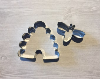 Set of 2 beehive and bee cookie cutter, baking supply, bee party, what will it bee, bee baby shower, bee birthday, cookie supply, bee cookie
