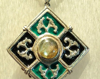 Pendant Sterling Silver Set with 10 mm Labradorite and Green and Black Enamel