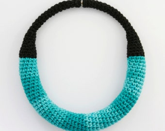 Crochet mint necklace, Groovy jewellery, Statement jewelry, Yarn necklace,
