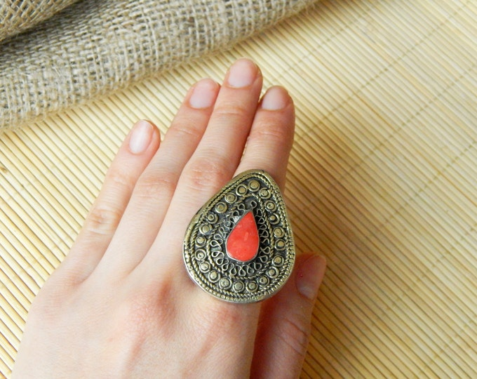 Large vintage ring / boho rings / silver tone ring / coral ethnic ring / indian gypsy ring / nomad ring / handmade boho jewelry