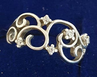 Beautiful 925 Silver Ladies Ring Size 7