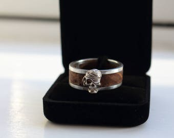 Hand Carved Unisex Sterling Silver and Oak Oxidised Pirate Skull Ring UK Hallmarked Made To Measure Wood Ring