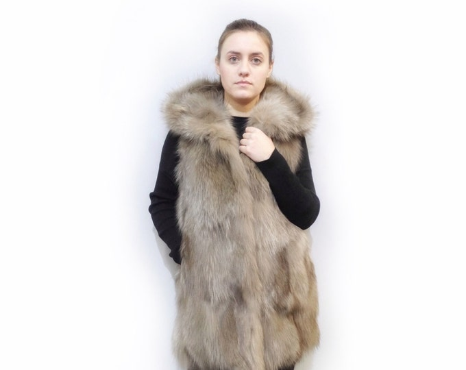 Hooded Long Fox Vest in Light Brown F478