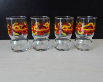 Set of 4 retro glasses, circles