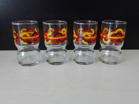 Set of 4 retro glasses, circles