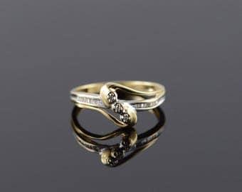 10k 0.10 CTW Diamond Bypass Ring Gold