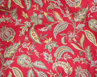 Vintage, french Tissu, red green fabric, 1970, Floral,  Soft goods cotton fabric , home  furnishings,  home decor, sewing projects