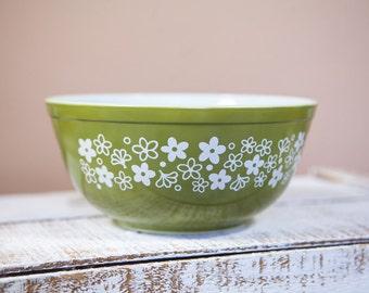 Vintage Pyrex Crazy Daisy bowl #403 2.5 qt