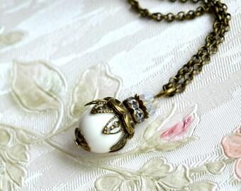 Ivory necklace Woodland wedding Ivory Bridesmaid jewelry Bridesmaid gift Ivory Bridesmaid necklace Swarovski pearl jewelry Vintage jewelry