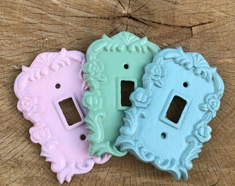 ON SALE/Light switch Cover/Light Switch plate/Outlet Cover/White Shabby Chic/Switch Plate/Decorative Cover/Ornate Plug Cover/Shabby Chic/