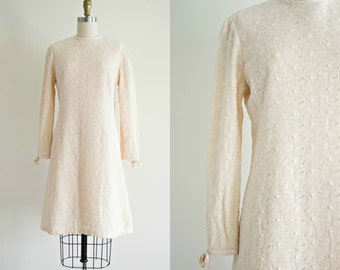Vintage 1960s mod dress . Anne Fogarty soft pink wool boucle . long sleeve fall winter 60s mini shift dress . small