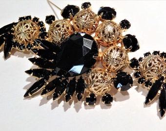 Mid Century 1960s Juliana Brooch Earrings DeLizza Elster Verified D & E Rhinestone Set Demi Parure Black Glass Brass Filigree Bead Jewelry