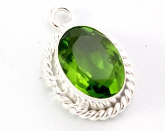 Green Chrome Diopside and Sterling Silver Pendant. Green Teardrop Pendant. Green Stone Pendant. Green Diopside Pendant. Stone Teardrop. 22mm
