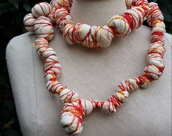 Long substances necklace white with autumnal tints