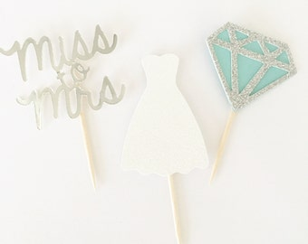 Bridal Shower Cupcake Toppers // Miss to Mrs // Wedding Shower Decor // Bachelorette Cupcake Topper // Bride to Be Cake Topper