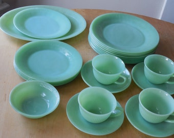 Jadeite Jane Ray Dishes- 21 pieces + 2
