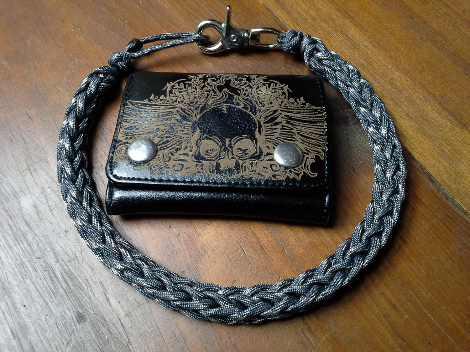 Woodland camo handcrafted 550 paracord wallet chain lanyard for How to make a paracord wallet chain