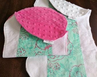 Floral Burp Cloths, Mint Burp Cloths, Mint Baby Shower Gift, Pink and Mint Baby, Mint Burp Cloth Set, Mint Nursery Pink Burp Cloths Mint
