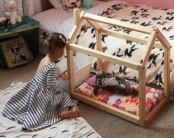 Doll house bed, doll bed, house framed doll bed, floor bed, house bed frame, toy bed, lit cabane, play bed, Maison de poupée, Lit de poupée